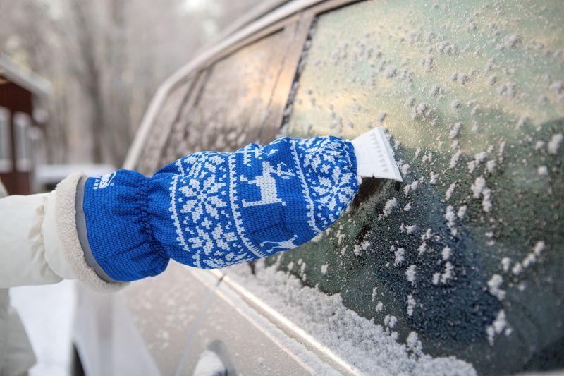 Sniega birstes Kungs ledus skrāpis ar cimdu